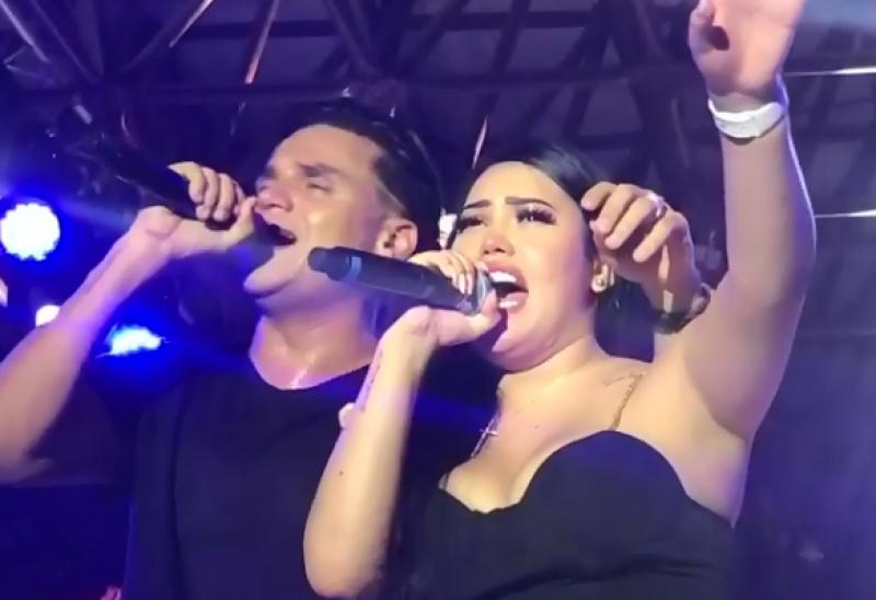Silvestre Dangond Y Ana Del Castillo Juntos En Tarima