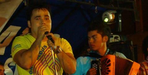 Ciro Quiñonez, en Cura Para...