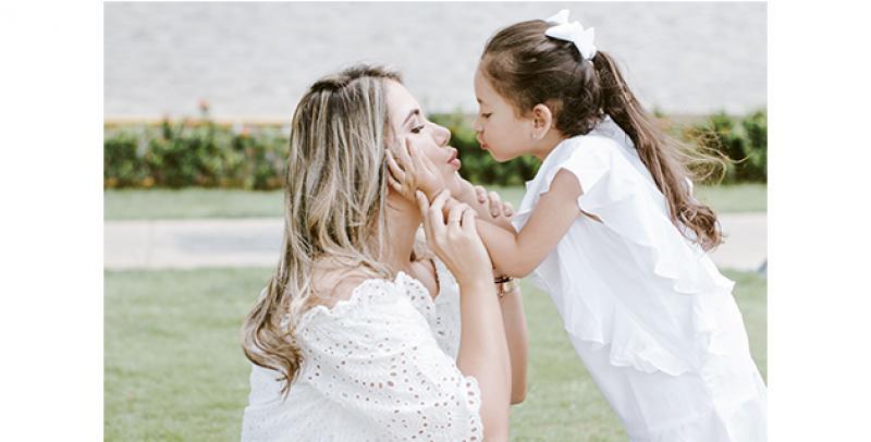 Dayana Y Paula Elena, Madre E Hija Inseparables