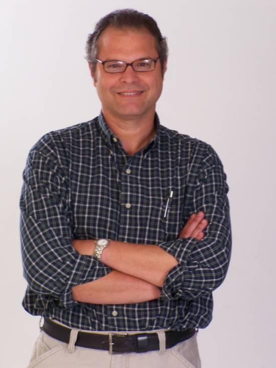 McCausland publica sus crónicas vallenatas
