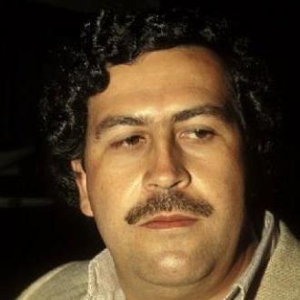 Por Qué Relacionan A Pablo Escobar...