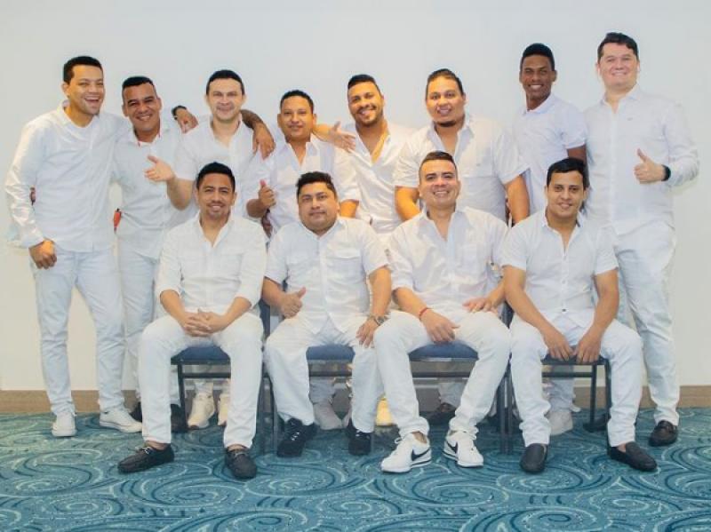 Los Nuevos Integrantes De La Agrupación De Elder Dayán