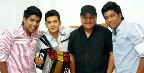 Los K Morales y Manuel Julián,...