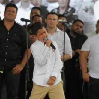 Martincito Compone Y Canta...
