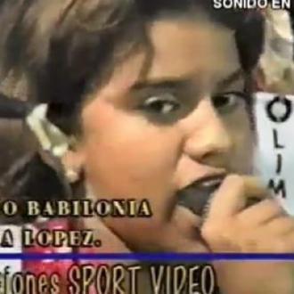 Video Inédito De Adriana Lucía Cantando Por Primera Vez...