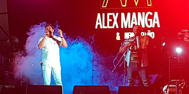 Alex Manga, actuando y gustando