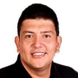 Hijo De Poncho Zuleta Está En Cuidados Intensivos Por...