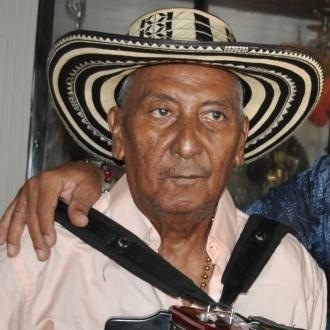 Al Rey Vallenato Beto Rada La Tristeza Lo Ronda En Medio De Su Cumpleaños