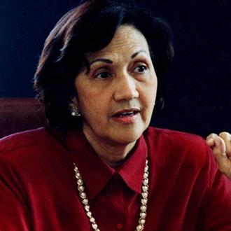 Consuelo Araujonoguera, Recibió El Título De Doctora En...