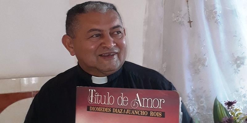 Crónica El padre Sulivan Granados se confiesa Diomedista a morir
