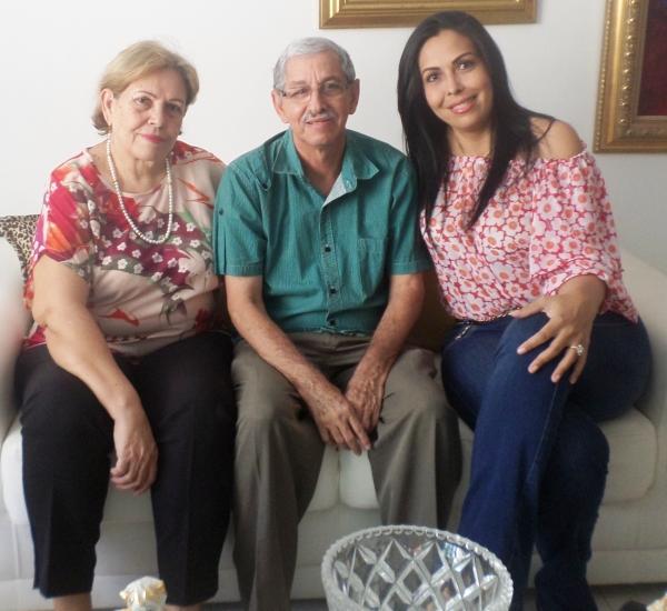 La familia al completo follando - Padre, madre y