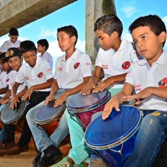 170 Estudiantes De La Institucion Educativa Consuelo Araujonoguera...