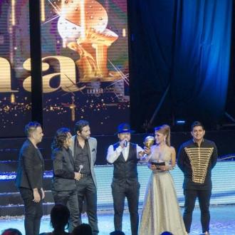 Grupo Kvrass Triunfantes En Los Premios...