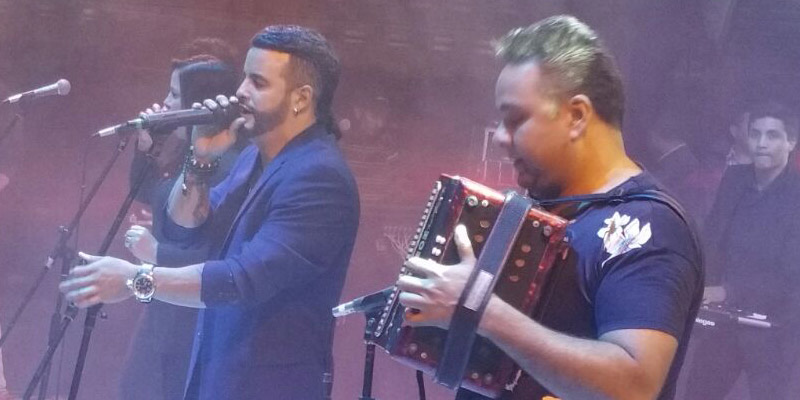 Exitosa gira por Ecuador de Nelson Velásquez y Emerson Plata