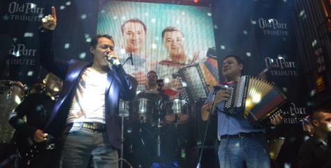 Orlando Acosta Inicia musical...