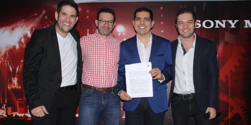 Peter Manjarrés y Juancho De La Espriella Firman Contrato Sony Music Colombia