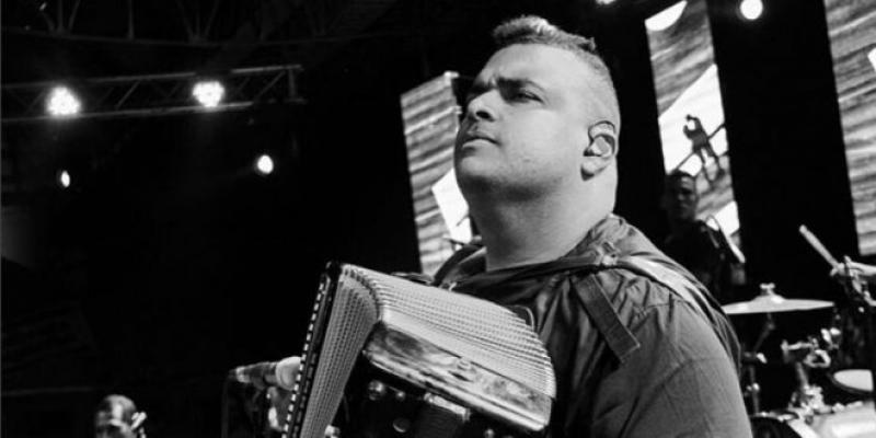 Rolando Ochoa Se Molesta Con Varios De Sus Colegas Compositores