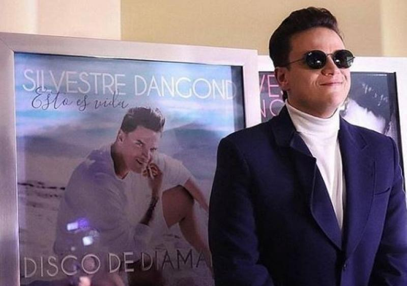 Silvestre Dangond Recibe Cinco Discos Diamante