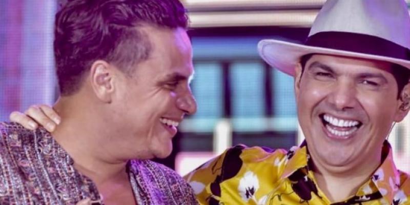 Silvestre Dangond Y Peter Manjarrés Cantaron A Dúo En Fiesta Privada